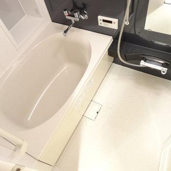 お風呂もゆったり。浴室乾燥つき。