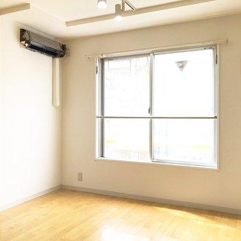 コンパクトな家具を置いてみるのが良さそう※写真はクリーニング中のものです