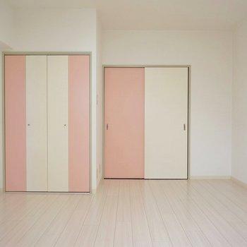 ピンクの扉がカワイイ♪。※写真は、前回撮影時のもの