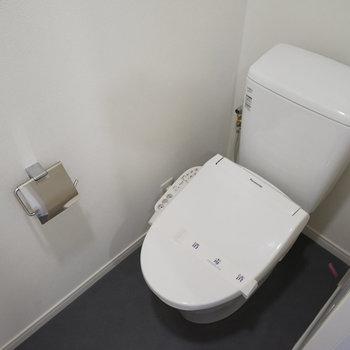 トイレは新品ウォシュレット付き!