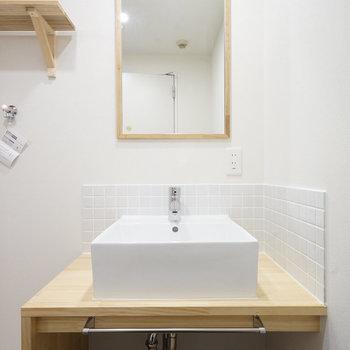 洗面台はナチュラルシンプル♪