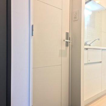 玄関に謎の扉・・・