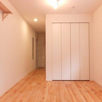 無垢床がきもちのいいお部屋◎  ※写真は別部屋です