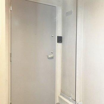 シンプルオシャレな玄関