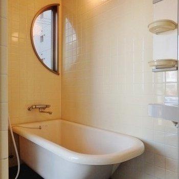 お風呂はネコアシ!インパクト大!※写真は前回募集時のものです。