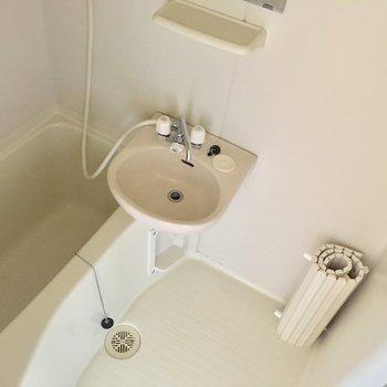 お風呂は2点ユニット!!掃除は楽ちんかな、、!