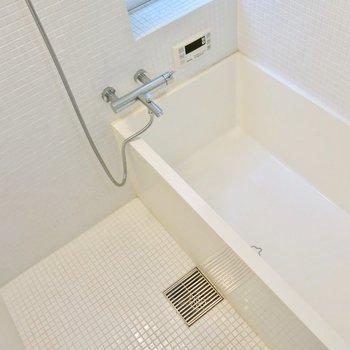 真っ白なお風呂(※写真と文章は前回募集時のものです)
