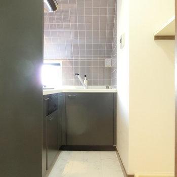 キッチンスペースには洗濯機置場も※前回募集時の写真です。