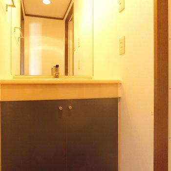 明るい洗面台※前回募集時の写真です。