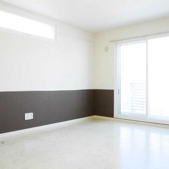 シンプルなお部屋、なにを置こう?