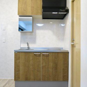洗面台を兼ねたキッチンです