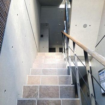 階段の先にお部屋。