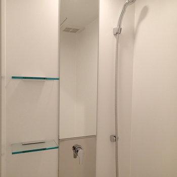 そうです。浴槽はなくシャワールームになります。※写真は前回募集時のものです