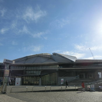 佇む、東京体育館