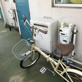 共用部に置かれた自転車
