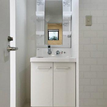 嬉しい独立洗面台♪