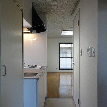 奥行きを感じる玄関。※写真は前回募集時のものです