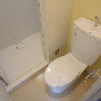 清潔感のあるトイレ。※写真は前回募集時のものです