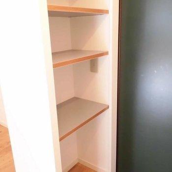 靴はオープンにしまいましょう。※写真は1階の反転間取り別部屋です