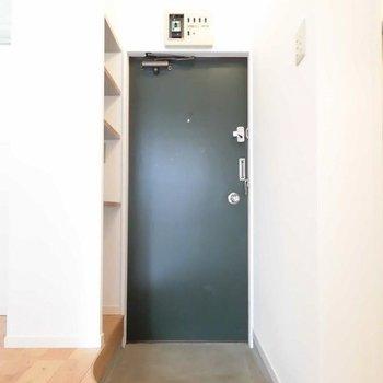 玄関土間がアーチ!※写真は1階の反転間取り別部屋です
