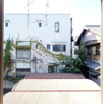 洋室①】建物があって眺望は抜けていませんが、日当たりはよかったです!