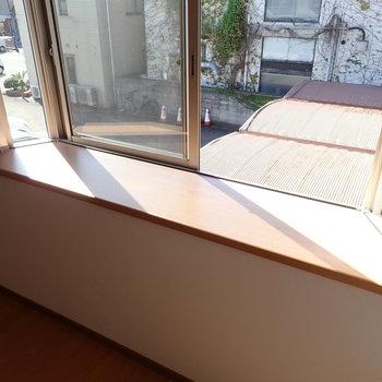 洋室①】観葉植物を置きたいな〜。