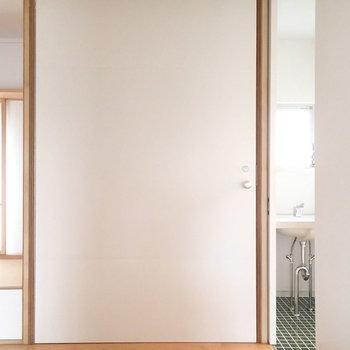 この大きな扉は何でしょう!?