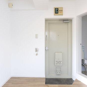 玄関横になにいい感じの靴箱がほしい※写真は工事中のものです