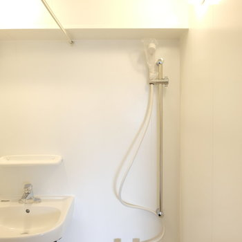 シャワーだけなんですね・・・※写真は工事中のものです