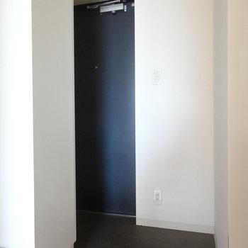 玄関こちら※画像は13階