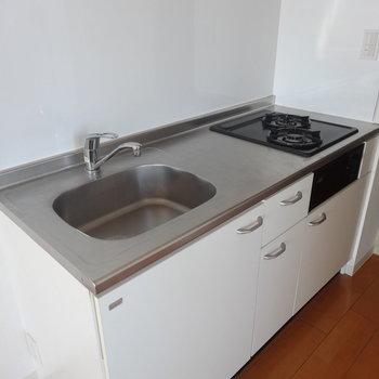 キッチンはシンプルに使いやすく※画像は13階