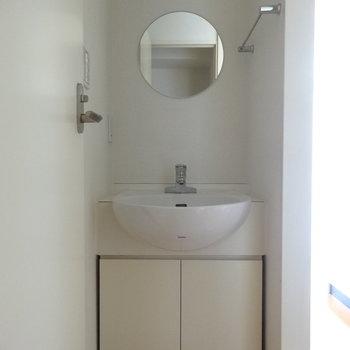 洗面台は丸い形がちょっぴりキュート※画像は13階