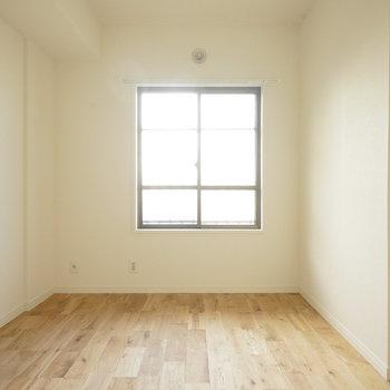 寝室もそれぞれ無垢床に◎