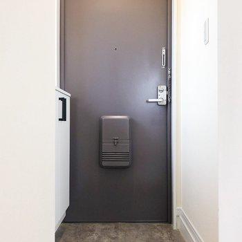 レトロな玄関です