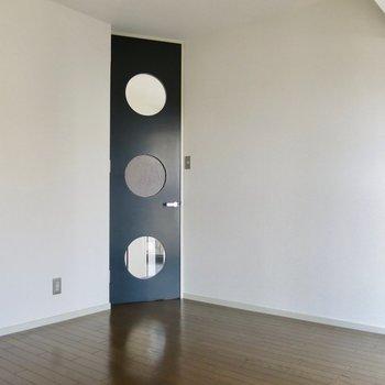 ドアのデザインが可愛い