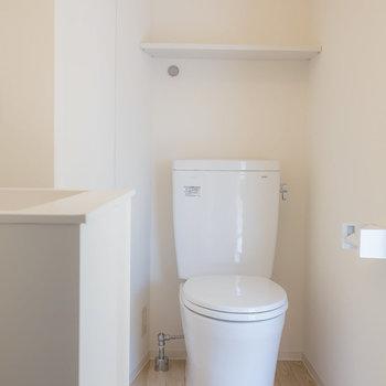 トイレはお風呂側と、キッチン側に2箇所あります◎