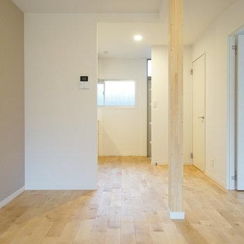 【LDK】使いやすい間取りです♪※写真は2階の似た間取り別部屋のものです