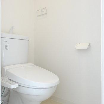 個室のウォシュレットつきトイレがうれしい
