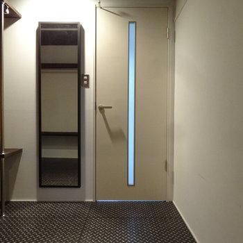 この扉、何だろう・・・