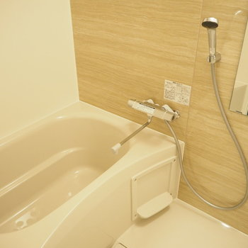 お風呂も清潔感のあるデザインに。※写真は前回募集時のもの