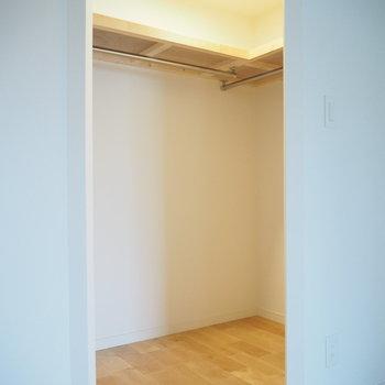 【洋室】大きなウォークインクローゼットが嬉しい!※写真は前回募集時のもの