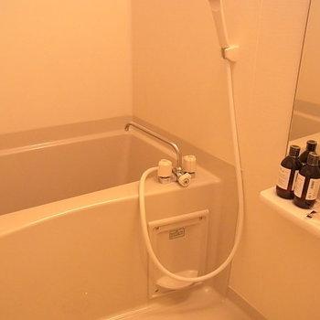 お風呂※写真は同じ間取りの別部屋です