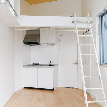 縦長でコンパクトめの造りですが、天井が高く開放的。※写真は前回募集時のものです