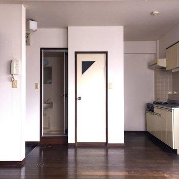 レトロシックな空間です※写真は2階の反転間取り別部屋ものです