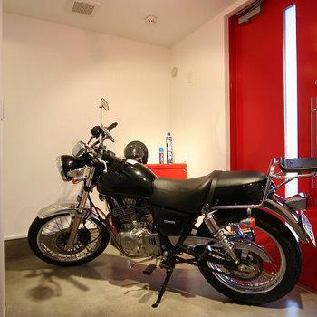 バイクを置いても余裕。※写真は前回募集時のものです