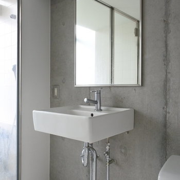 洗面とトイレは同室です。※写真は別室です。