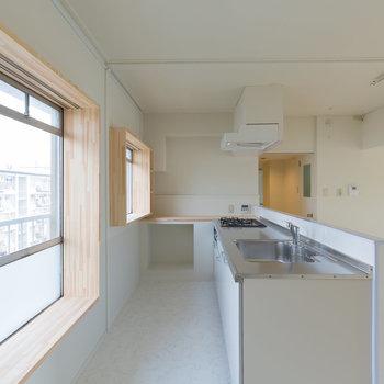 調理スペースも広い3口キッチン!