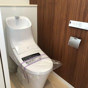 1階も2階もこのトイレが1つづつ。もちろんウォシュレット付きですよ!