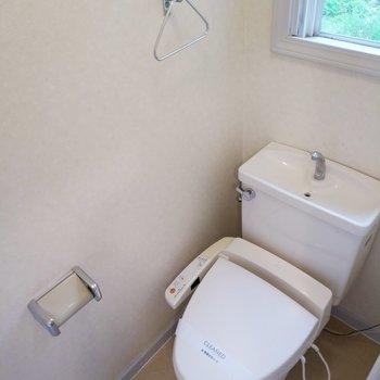 トイレもしっかりと個室ですよ! ※写真は同間取り別部屋です。