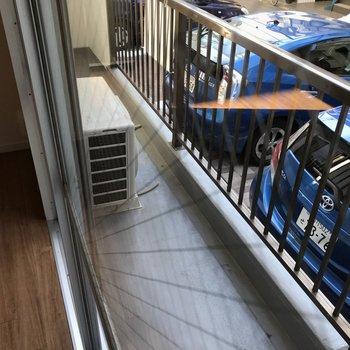 室内からの写真です バルコニー広めです
